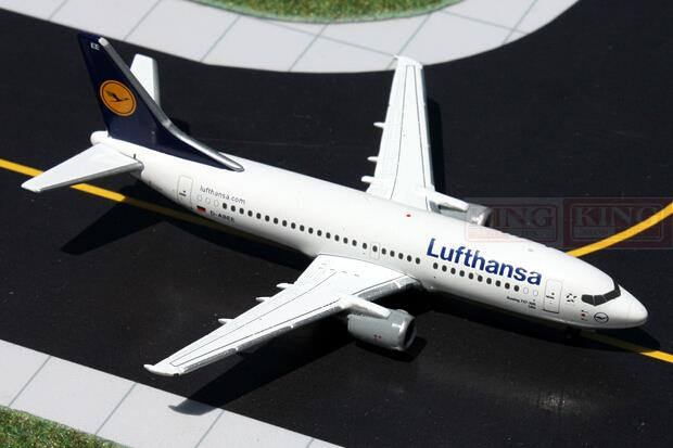 GeminiJets GJDLH1326 B737-300 D-ABEE 1:400 Lufthansa commercial jetliners plane model hobby gjcca1366 b777 300er china international aviation b 2086 1 400 geminijets commercial jetliners plane model hobby