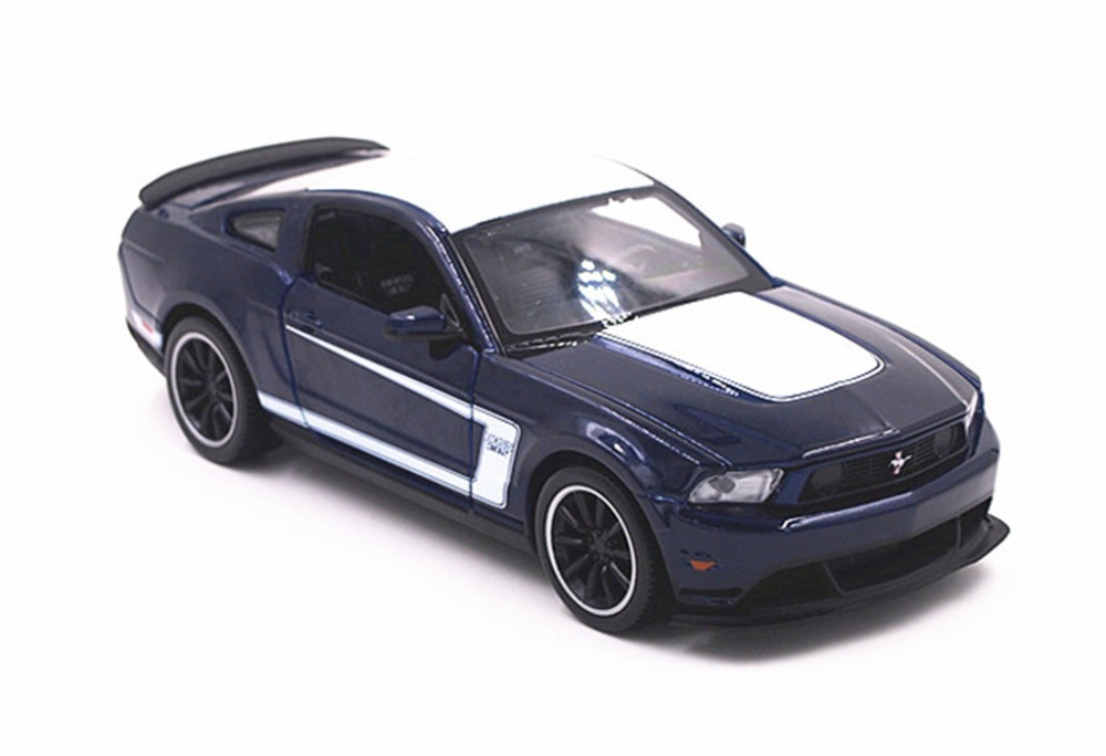 модель машины ford mustang boss 302