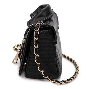 Image 2 - 새로운 유럽 브랜드 디자이너 체인 오토바이 가방 여성 의류 어깨 리벳 자켓 가방 메신저 가방 여성 가죽 핸드백