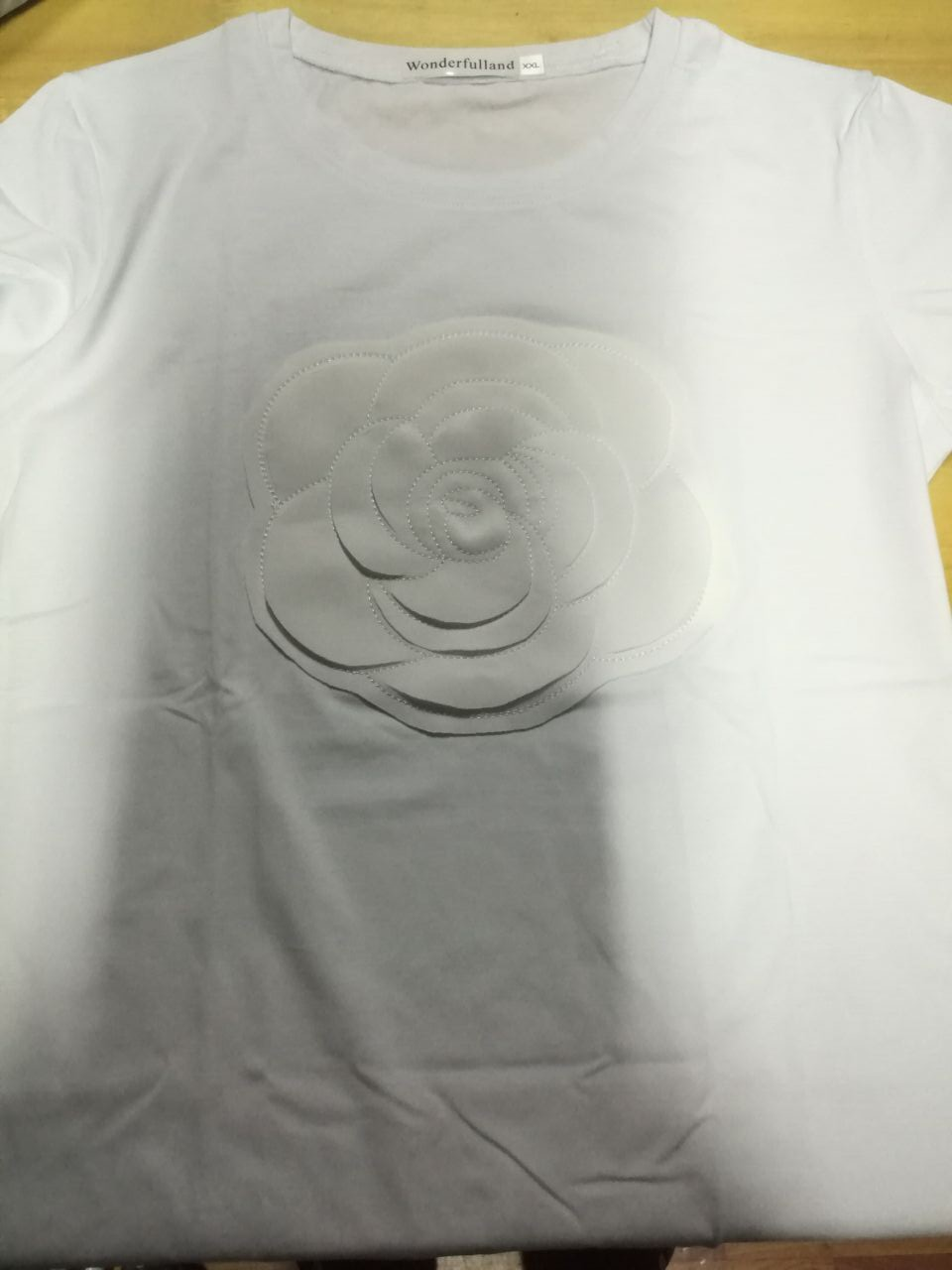 HTB1BCoNQpXXXXXEaXXXq6xXFXXXU - Wonderfulland women summer 3d camellia embroidery luxury T-shirt