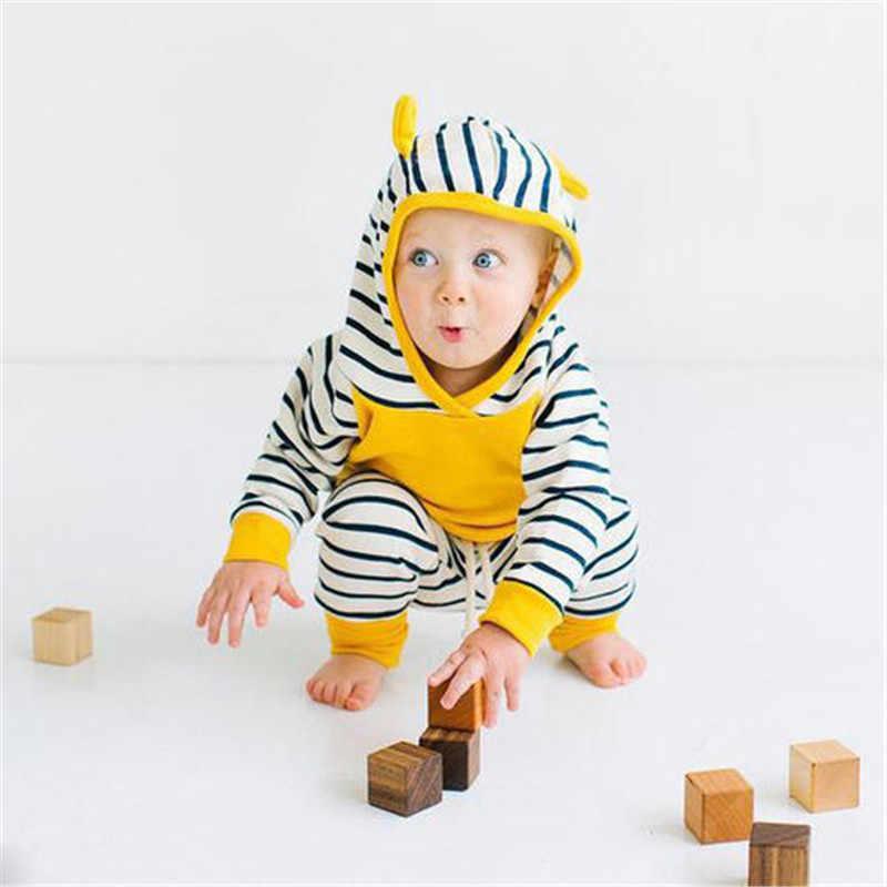 新しい到着赤ちゃんセット赤ちゃん男の子服セット秋の子供パーカー+パンツ厚みの冬暖かい服男の子女の子セット2016