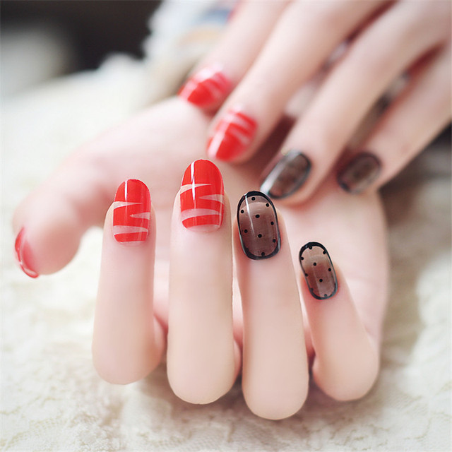 24pcs Set False Nails Red Ribbon Style Black Lace Design Tips Nail Make Up
