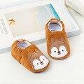 Ardilla linda para Todas Las Estaciones Deslizadores De Interior Bebé Fácil Deslizamiento en Los Zapatos de Bebé Suave Zapatos Infantiles Del Niño Primeros Walkrs