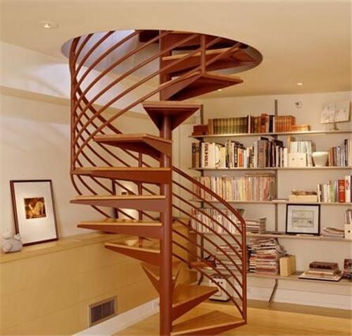 Quercia pedate loft scale scala a chiocciola in acciaio per la venditaQuercia pedate loft scale scala a chiocciola in acciaio per la vendita