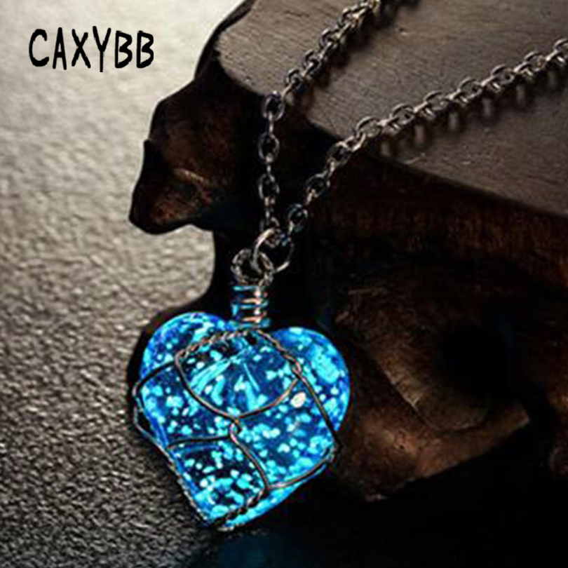 Caxybb New Creative Luminous Heart Crystal Pendant Necklace Glow In The Darkness Charming Necklace Fine Jewelry Fashion Necklace