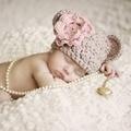 Fotografia bebê Adereços Chapéu Do Aniversário Das Meninas Flor Crianças Chapéus de Inverno Malha Coelho Outfits Newborn Crochet Chapéus Beanie 2 cores