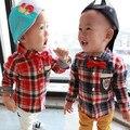Горячие продажа baby boy плед рубашки весна осень 2017 дети детская мода хлопковые рубашки с галстуком-бабочкой 6-24 месяцев!