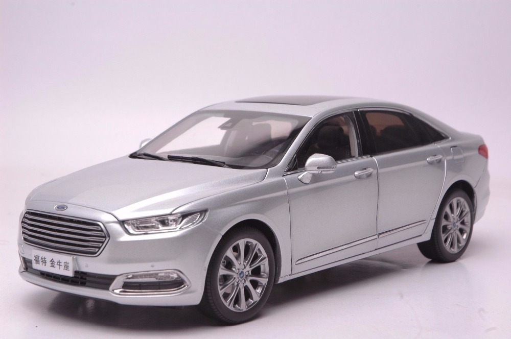 1:18 Diecast Model for Ford Taurus 2015 Silver Alloy Toy Car Miniature Collection Gifts 1 18 diecast model for isuzu d max silver pickup alloy toy car miniature collection gifts d max dmax truck