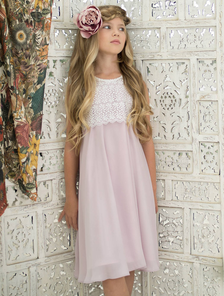цена на Lace Vintage First Communion Dresses With Sleeveless Flower Girls Dresses A-Line Chiffon Mother Daughter Dresses For Girls Party