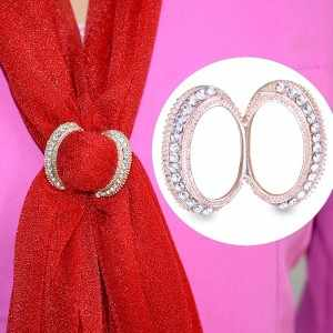 ระดับไฮเอนด์ยอดนิยมใหม่คำหัวเข็มขัดผ้าพันคอหัวเข็มขัดพลอยเทียมขนาดเล็กทองผ้าเช็ดตัวเข็มกลัด