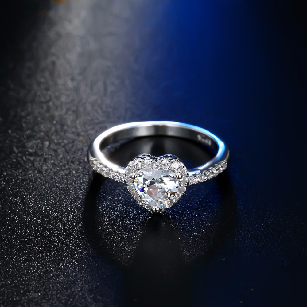 Fashion Crystal Heart Shaped Wedding Rings Women s Zircon Engagement Rings Glamour Jewelry