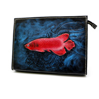 Ручной работы для мужчин растительного дубления кожа Carvings красный карп сумка держатель для денег клатч кошелек карманные мужские клатчи ко
