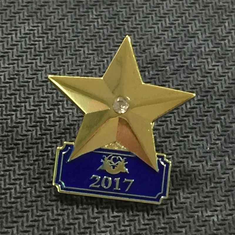 A buon mercato 3D Oro Lucido Star Stile Risvolto Spille con Il Proprio Logo