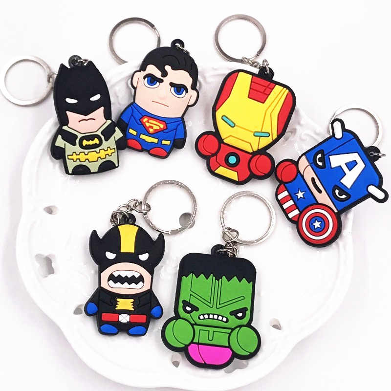 1 Pcs Bonito Anime 3D The Avengers Herói Batman PVC Acessórios Chave cadeias anel Chave Chaveiros Crianças Mochila Presente Do Partido