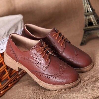 Nueva vendimia del cuero genuino encaje hasta zapatos Oxford para las  mujeres de moda tallado Inglaterra estilo Brogue Oxfords de las mujeres  señoras Pisos ... 5678bb60c89e
