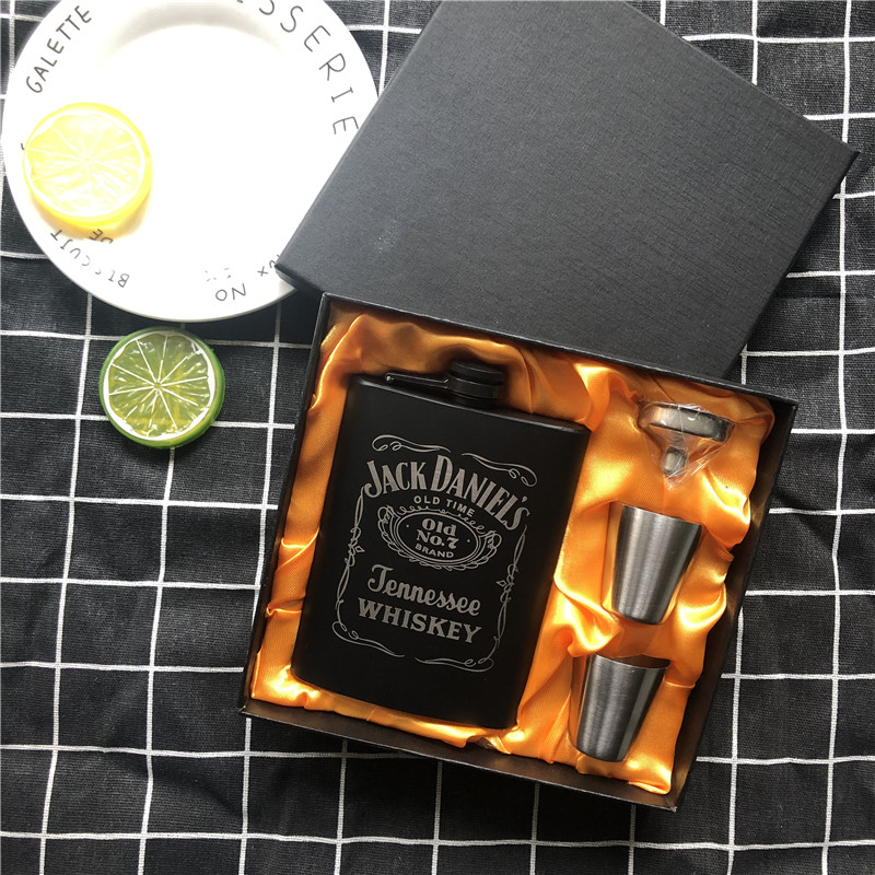 New Mini 8oz All black paint Whisky Flagon Laser 304 Stainless steel alcohol Funnel Jack Hip Flask Black Gift Box Set LPPUNK