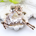 High Quality Deer Brooch Women Gold Plating Animal Brooches Lapel Hijab Scarf Pins Ladies Office Party Christmas Jewelry Gift