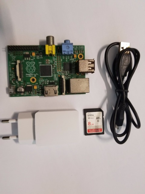 Livraison gratuite utilisé Raspberry Pi modèle B 512 mo RAM, 700 Mhz, carte SD 8G, puissance standard de lue, modèle B Raspberry Pi, Rev 2.0 512 mo RAM