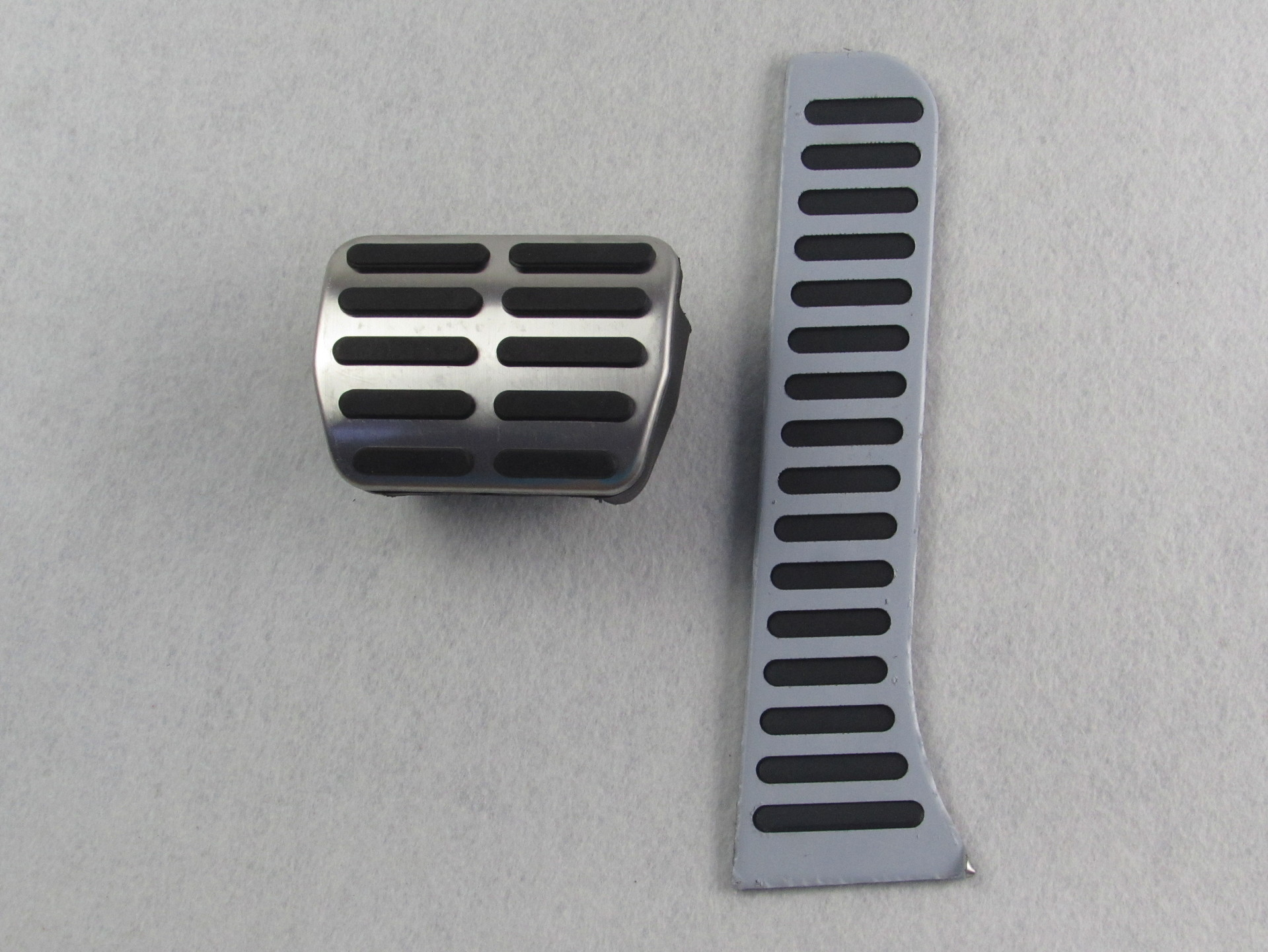Right Hand Drive Car AT DSG Metal Pedals (brake Pedal + Accelerator Pedal) for Vw GOLF 6 Scirocco JETTA PASSAT Octavia