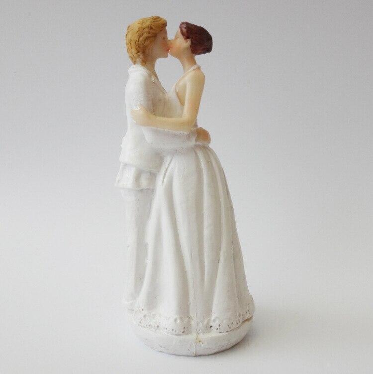 Lesbian Cake Figurine Romance Kissing Bride Female Couple Wedding Resin Cake Topper -5395