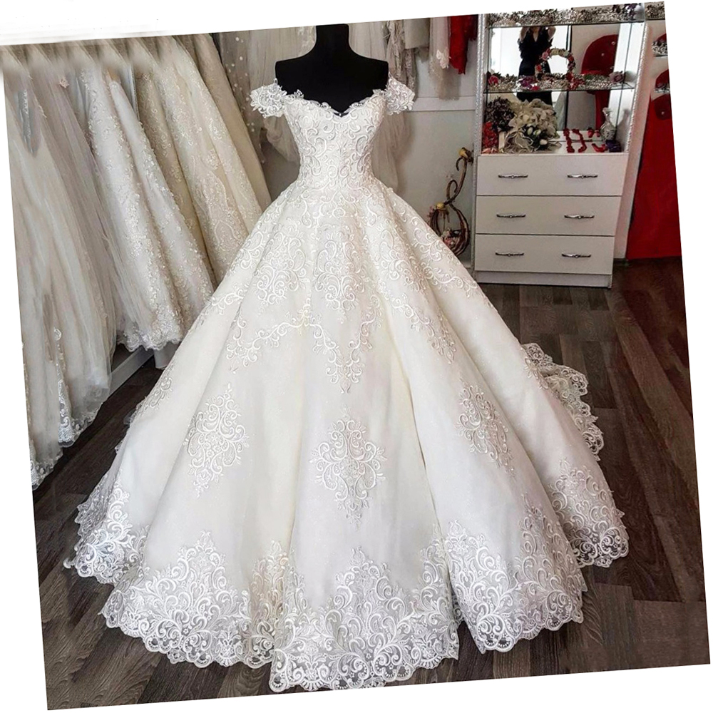 Luxury Ball Gown Vestido de noiva Gorgeous Off White Wedding Gowns Off the Shoulder Sweep Train Lace Appliqued Bride Dress