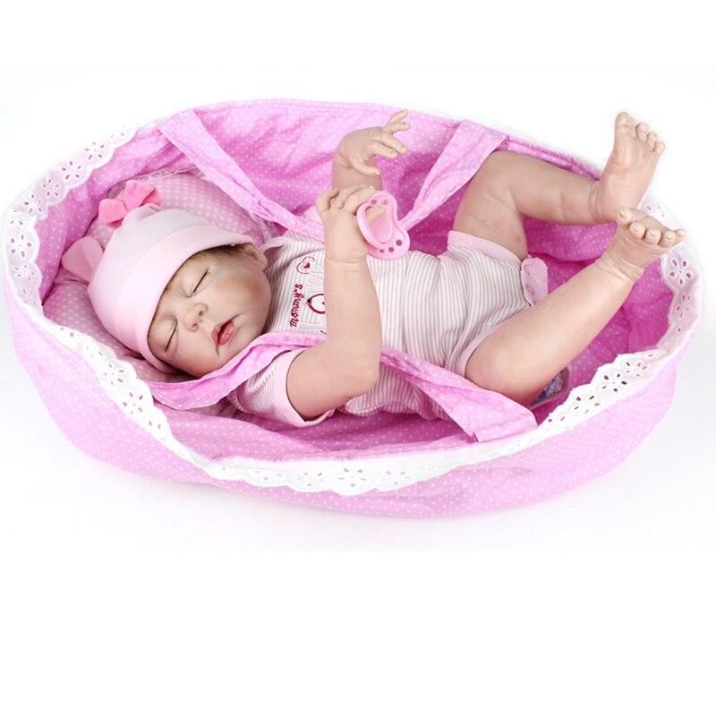 55 cm Weiche Volle Körper Silikon Reborn Puppen Mädchen Puppe 22 zoll Lebensechte BeBe Reborn Babys Spielzeug Menina Bonecas Brinquedos mit Korb-in Puppen aus Spielzeug und Hobbys bei  Gruppe 3