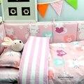 Baby bedding set 100% algodón cuna bedding set para recién nacido bebé rosado lindo gato diseño de la venta caliente de la bandera de color en China
