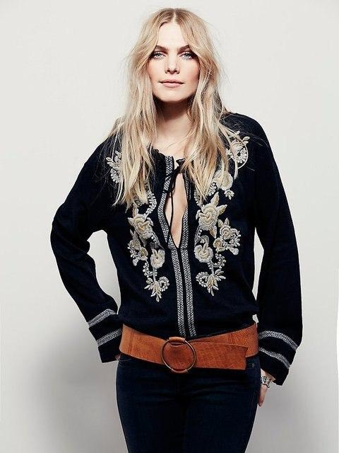 2017 новых женщин свободные блузки мода вышивка с длинным рукавом прозрачный цветочный блузка бесплатная повседневный человек горячая топ