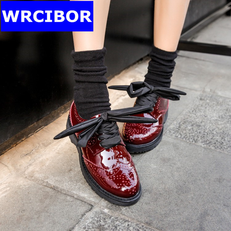 Patent leather Fretwork Vintage Flat Oxford Shoes font b Woman b font 2017 Fashion tassel British