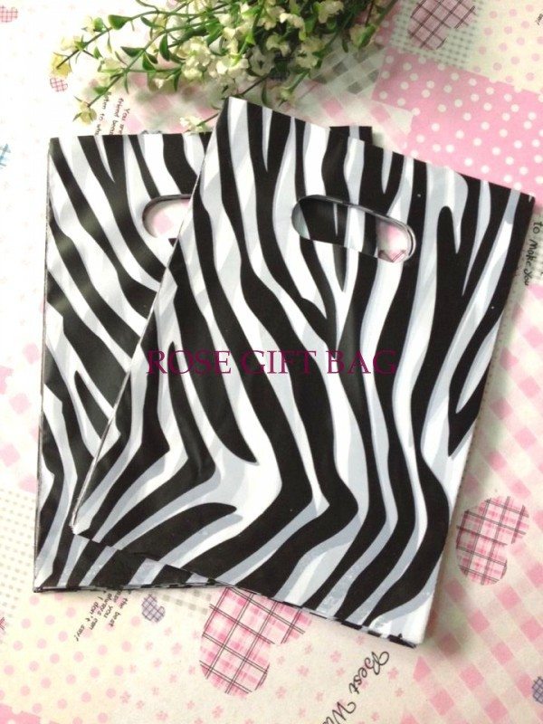 Wholesale 500pcs lot Black Zebra Printed Plastic Bag 15x20cm Boutique Gifts Jewelry Packaging Bags Plastic Gift