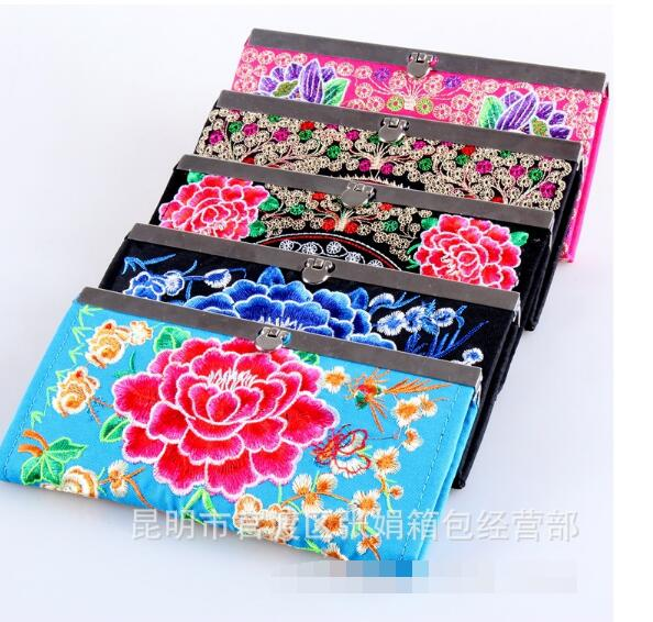 National Vintage Women Embroidered Purse Wallet Ethnic Clutch Bag Card Coin Holder Phone Bag Coin Bag Floral Design