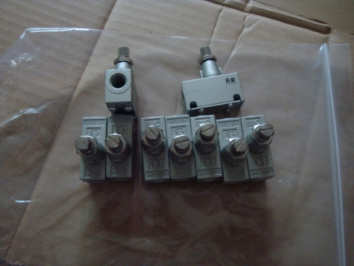 BRAND NEW JAPAN SMC GENUINE SPEED CONTROLLER AS2000-01 brand new japan smc genuine speed controller as1001fg 04