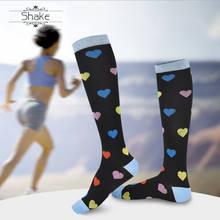 купить Shake 5pair Heart shape socks for women Knee High Compression Socks for Men and Women Quick Dry High Quality Leg Support по цене 1365.91 рублей