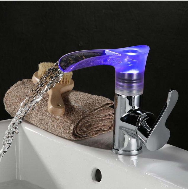 € 74.02 10% de réduction|Salle de bains Accessoire LED De Contrôle De  Température Changement de Couleur Robinet Cascade (rouge vert et bleu) dans  ...