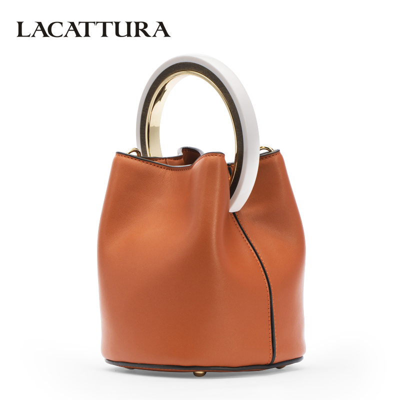 LACATTURA Luxury Handbag Designer Wristlets Women Leather Shoulder Bucket Bag Fashion Messenger Bags Lady Small Tote Cross body lacattura small bag women messenger bags split leather handbag lady tassels chain shoulder bag crossbody for girls summer colors