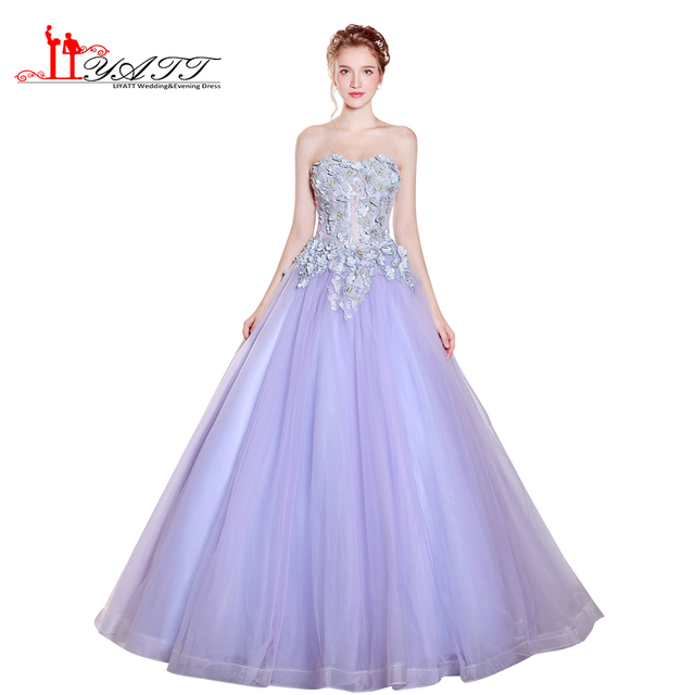 2017 Vintage Prinzessin Sexy Lange Lila Lila 3D Spitze Appliques ...
