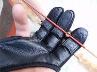 3 palce skórzana osłona 3 palce ochronne rękawice łucznicze dla Recurve związek łuk ochraniacz na palce dla prawej/lewej ręki w Łuki i strzały od Sport i rozrywka na