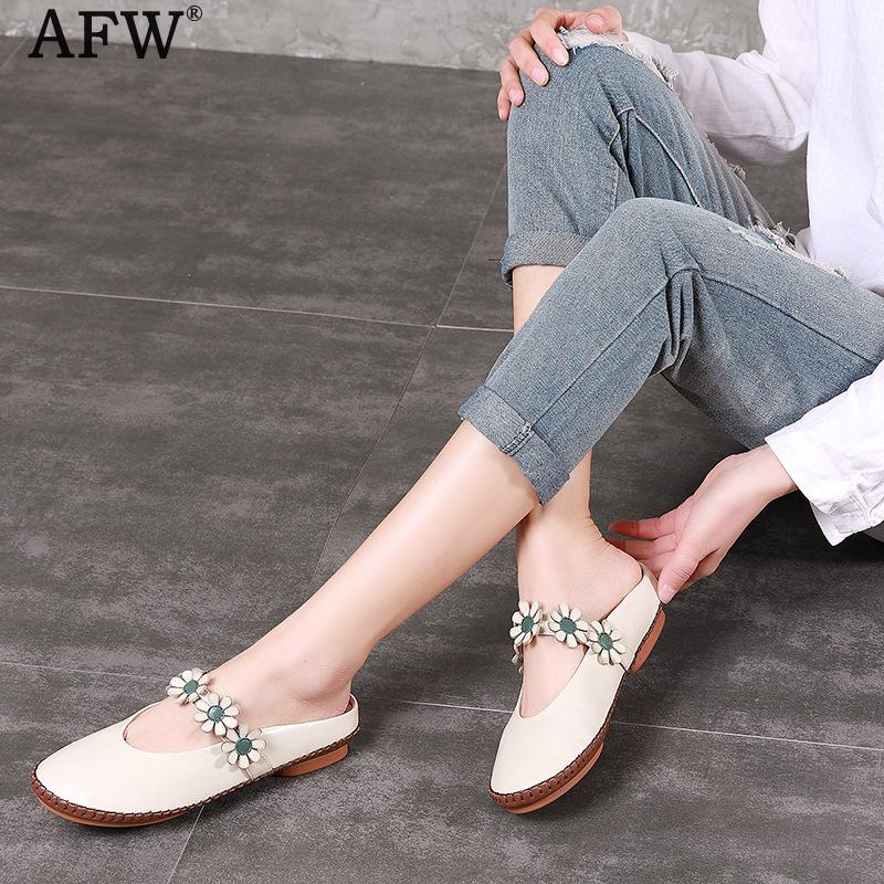 AFW Genuine Leather Women Slippers Flower Low Heel Summer Shoes 2018 Retro White Women Sandals Handmade Leather Slipper tyawkiho genuine leather women sandals low heel white casual leather summer shoes 2018 handmade women leather sandal soft bottom