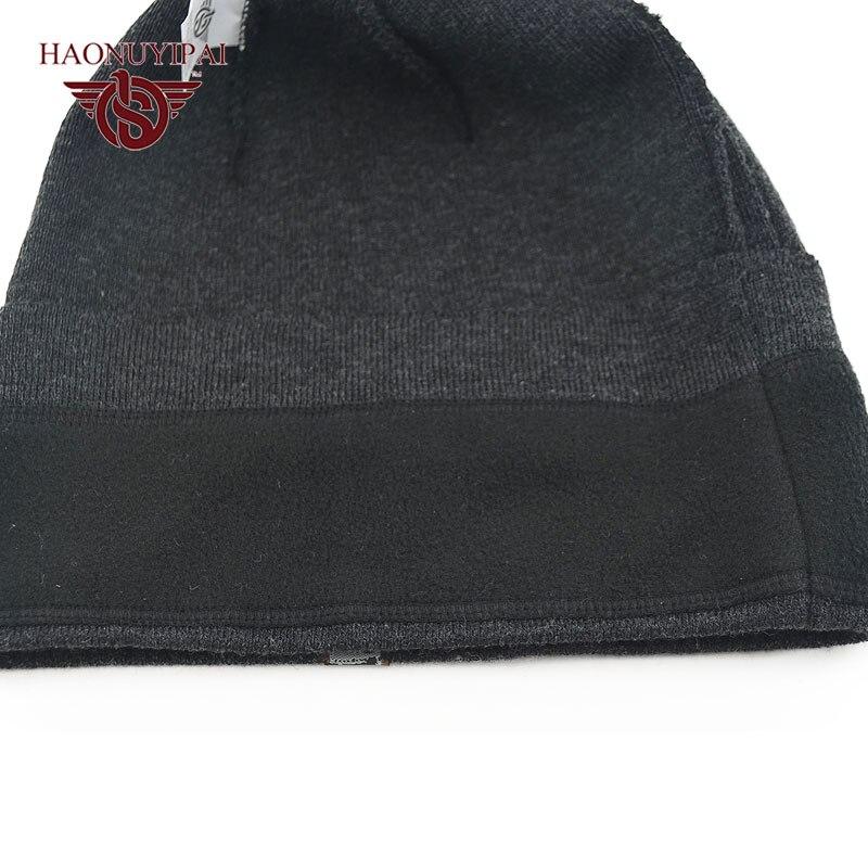 Aliexpress.com  Comprar 2016 de Alta Calidad Nueva Moda de Invierno de la Gorrita  Tejida Sombreros Para Hombres de Las Mujeres Unisex Negro de Punto Tapas ... 3587abbee5c