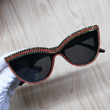 Retro Rhinestone Do Vintage Cateye óculos de Sol Para As Mulheres De Plástico Quadro Do Gato Olho Óculos de Sol UV400 Tons de Designer Da Marca Sexy