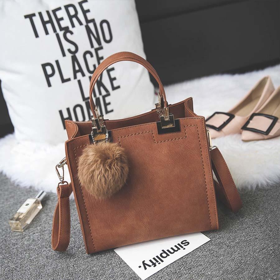 Сумка LANLOU, женская сумка на плечо, роскошные сумки, женские сумки, дизайнерская Высококачественная кожаная сумка-почтальон с помпонами, женская сумка - Цвет: Brown