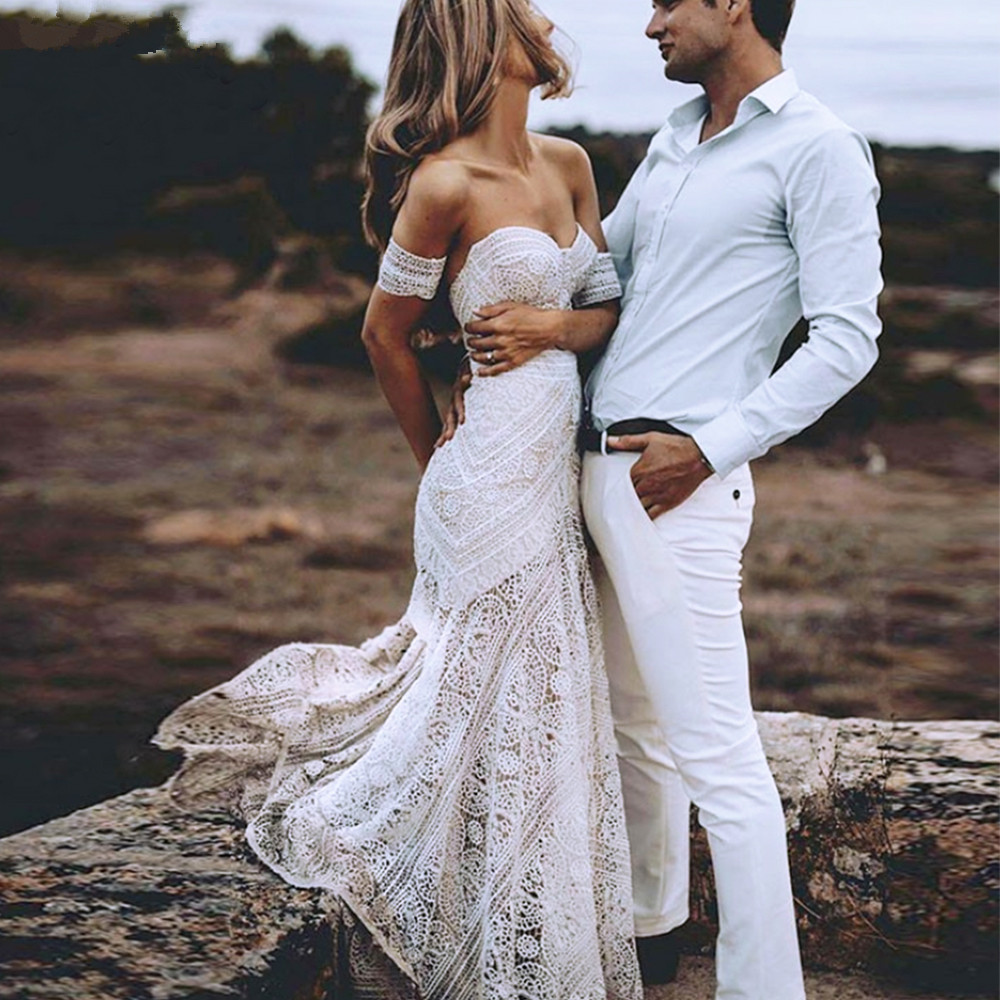 Bohemian Mermaid Beach Wedding Dresses 2019 Vintage Off Shoulder Crochet Cotton Lace Fishtail Hippie Country Bridal  DresS