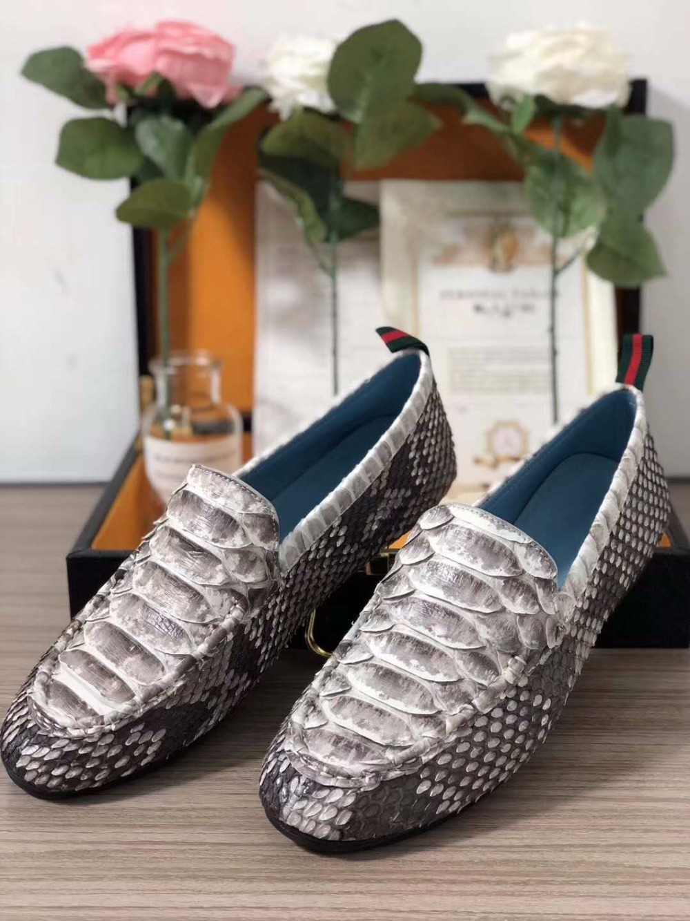 2018 100% Genuine real genuine python skin men shoe luxury quality black color with cowhide skin lining free shipping 2018 genuine real genuine python skin men shoe top quality snake skin handmade men shoe black blue color free shipping