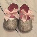 2016 Новые Новорожденных девочек обувь Первые ходоки младенец принцесса лук платье кожаные Ботинки мягкой подошвой Дети Обувь малыша кроссовки