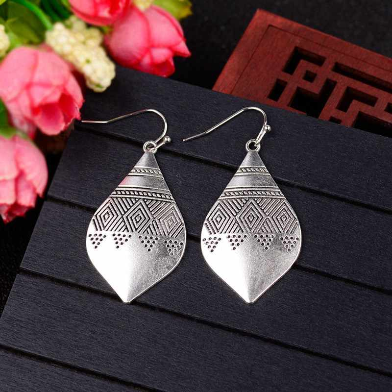 Amader 2019 Vintage Water Drop Carved Earrings Female Ethnic Jewelry Brinco Tibetan Triangle Earrings For Women Dangle HQE1022