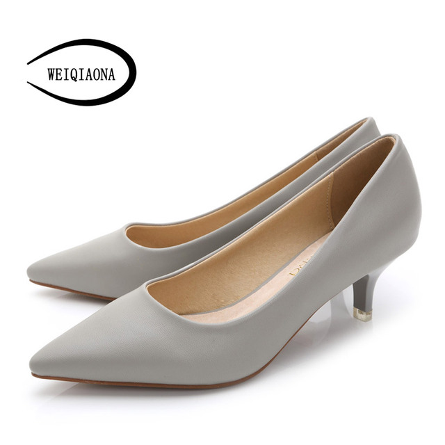 f2fa5852f6 WEIQIAONA 34-43 Mulher Sapatos de Couro Genuíno dentro Baixos Saltos  Mulheres Bombas Stiletto sapato