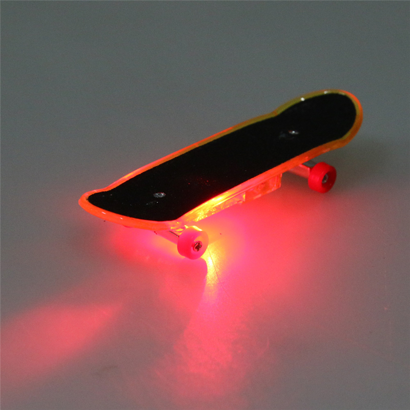 1Pc Mini Skateboard Finger Board Skate Boarding Kit Finger Toy Boys Game