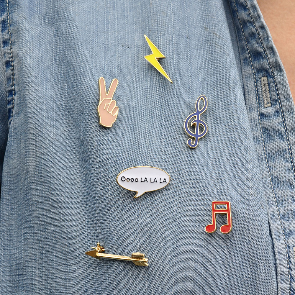 1 PC Lightning Arrow Brooch Victory Badge Decoration Pins Sign Metal Brooches Metal Badges ...