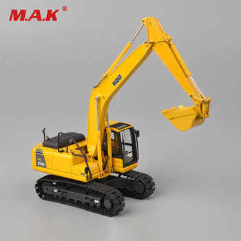 Diecast KOMATSU 1/50 Scale PC200 Excavator Truck Car Vehicle Model Toy Alloy Diecast Model Engineering Machine for Collection new arrival gift lp700 matte 1 18 model car collection alloy diecast scale table top metal vehicle sports race decoration toy
