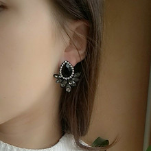 FAMSHIN New Women Fashion Crystal Black White Pink Glass Earrings Resin Sweet Trend With Gems Ear